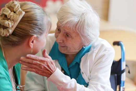 5 Tips for Communicating with Seniors Who Have Dementia